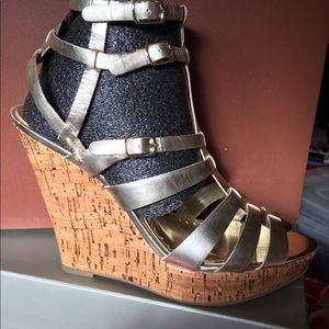 New BCBG Paris Glenda gold metallic leather cork